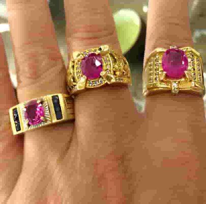 Mẫu nhẫn nam vàng gắn đá Ruby