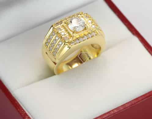 Mẫu nhẫn nam vàng gắn kim cương